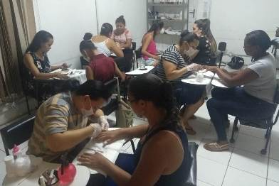 Turma do curso de manicure e pedicure